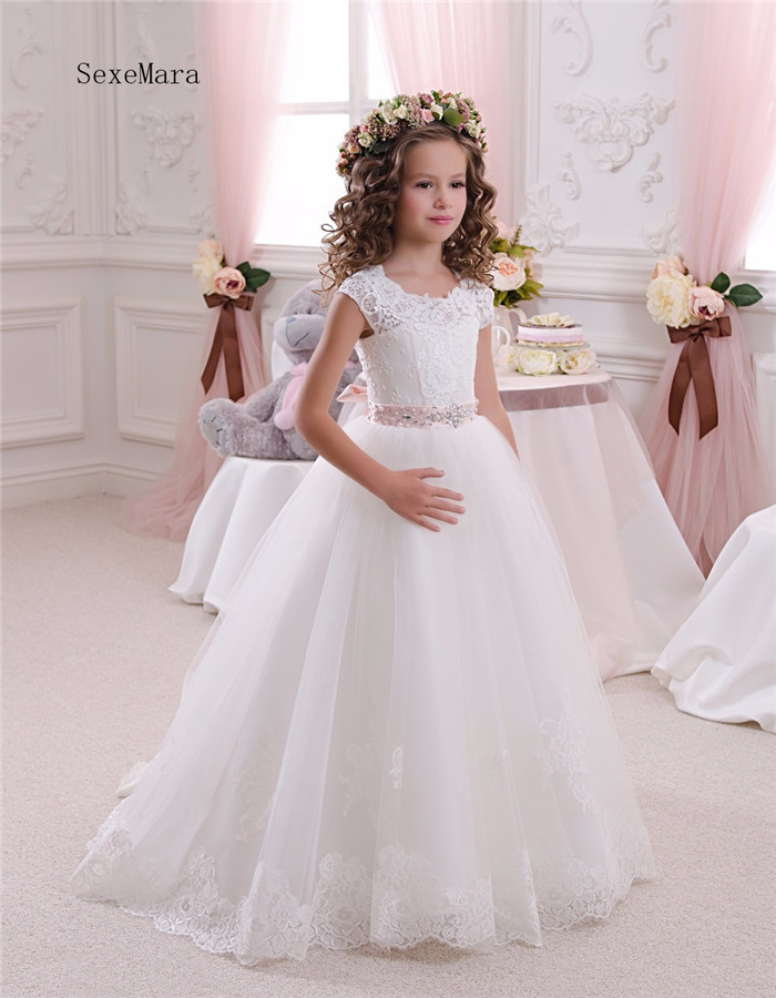 Well-Designed   Flower     Girl     Dress   For Wedding with Beading Crystals Ribbon Princess   Dress   First Communion Gowns Custom Made Longo