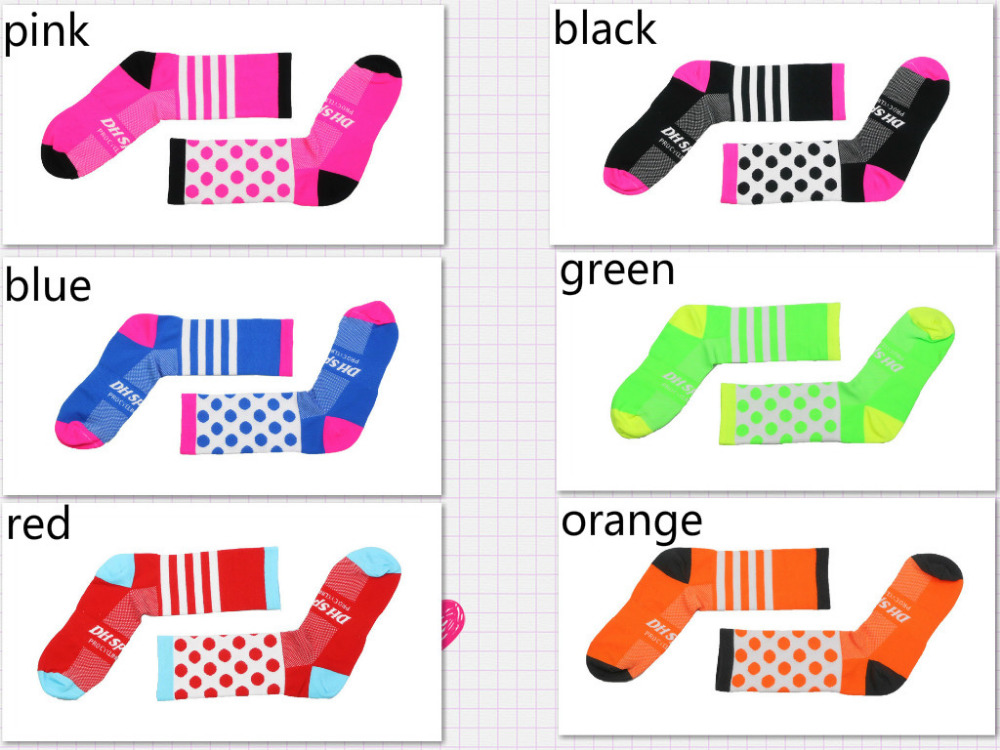 2018 New Style Cycling Socks Riding Bicycle Sports Socks Wear Socks and Four Compression !!in one pair different color.