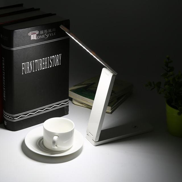 Alta Calidad FX010A Plegable 2 W Luz LED Eye-Protección Lámpara de Mesa Infantil Lámpara de Escritorio de Estudio Portátil Lámpara de Luz LED
