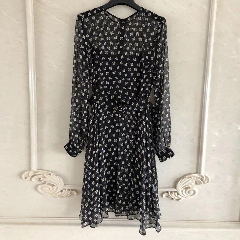 Шелковое платье Высокое качество с длинными рукавами и круглым вырезом платье Для женщин 2018 Мода Цветочный принт длинное платье для леди