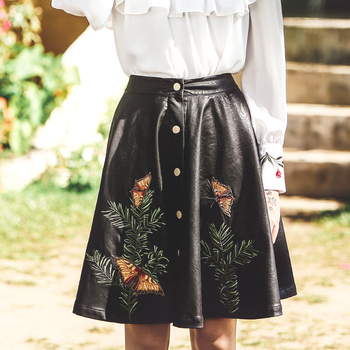 New Spring Autumn Women Vintage Slim Embroidery All-Match High Quality PU Leather Black Knee-Length Bust Skirt