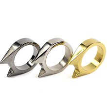 1pcs Spikes knuckle Cat Ear shape Ring Pendant Outdoor Survival Tactical Self-defense Ring 32*26*7mm Color Random(China)