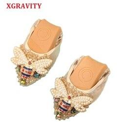 XGRAVITY Plus Size Designer Crystal Woman Flat Shoes Elegant Comfortable Lady Fashion Rhinestone Women Soft Bees Shoes A031-1