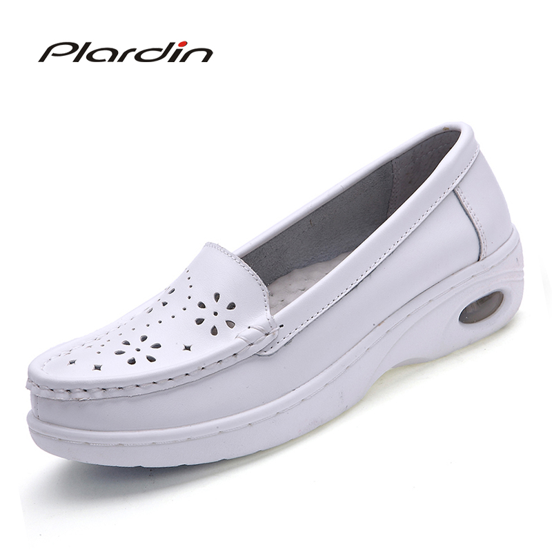 2017 Summer Casual Soft Shoes Women Flats Round Toe Ladies Slip On Genuine Leather Loafers cutouts Fretwork Platfo Shoes Woman цены онлайн