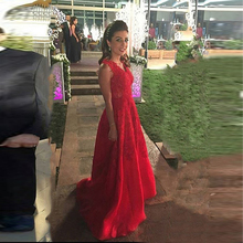 Charming 2017 Red Lace Appliqued Formal Evening Dresses Arabic Plus Size V-Neck Long Prom Gowns Women Celebrity Abendkleider