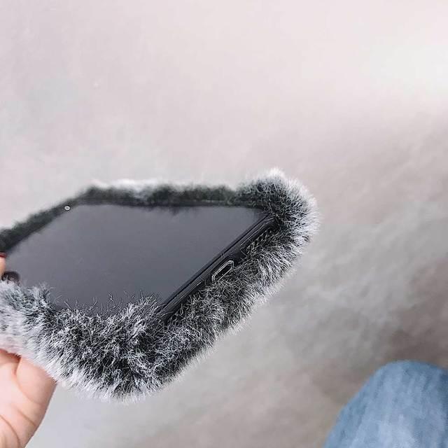 Regalo Della Signora di modo per il Caso di iPhone XS Max XR X 11 Pro Max SE SE2 Furry fluffy Caldo Della Copertura per iPhone 6 6S 7 8 Più Morbido Cassa Del Telefono 5
