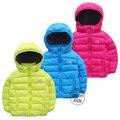 Envío gratis niños del color del caramelo chaqueta de algodón acolchado engrosamiento térmica , además de terciopelo bebé prendas de vestir exteriores