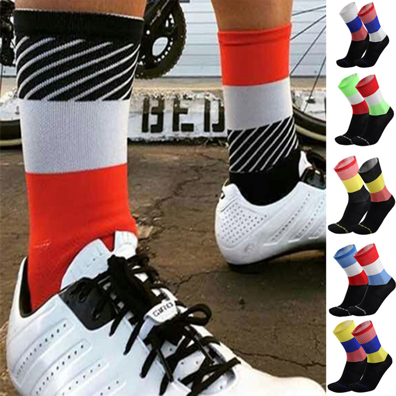 New Bike Socks Men Bicycle Professional Brand Sport Socks Protect Feet Breathable Wicking Cycling Socks  sk055