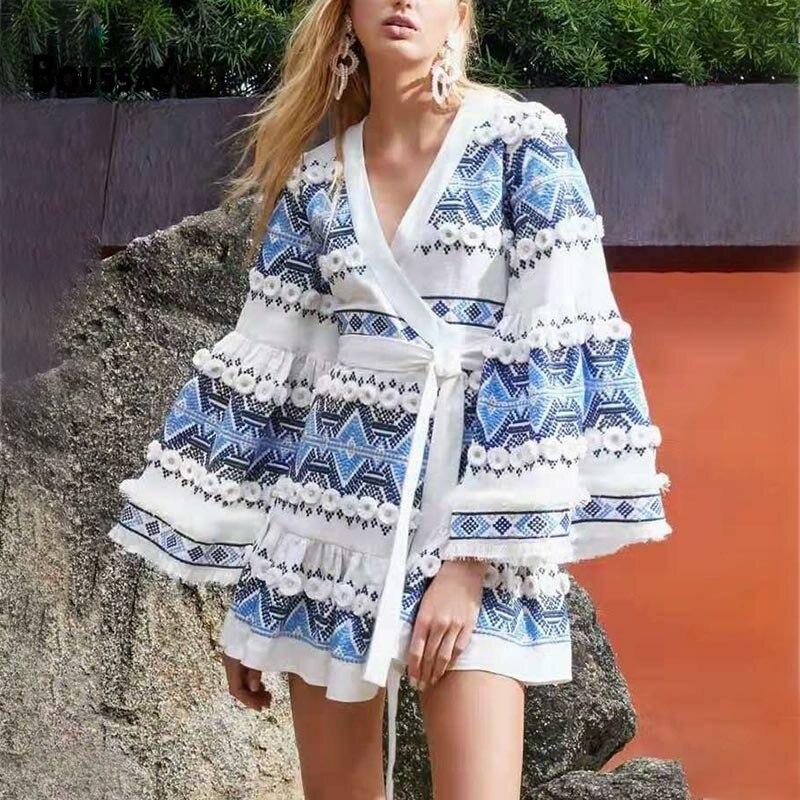 Haute qualité femmes robe été femmes manches évasées col en V géométrique rayure imprimé élégant Vintage fête Indie Folk Mini robe