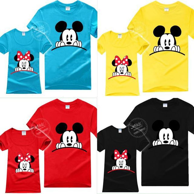 Minnie Mouse And Mickey Mouse Kissing >> Matching Sweaters For Couples Mickey And Minnie