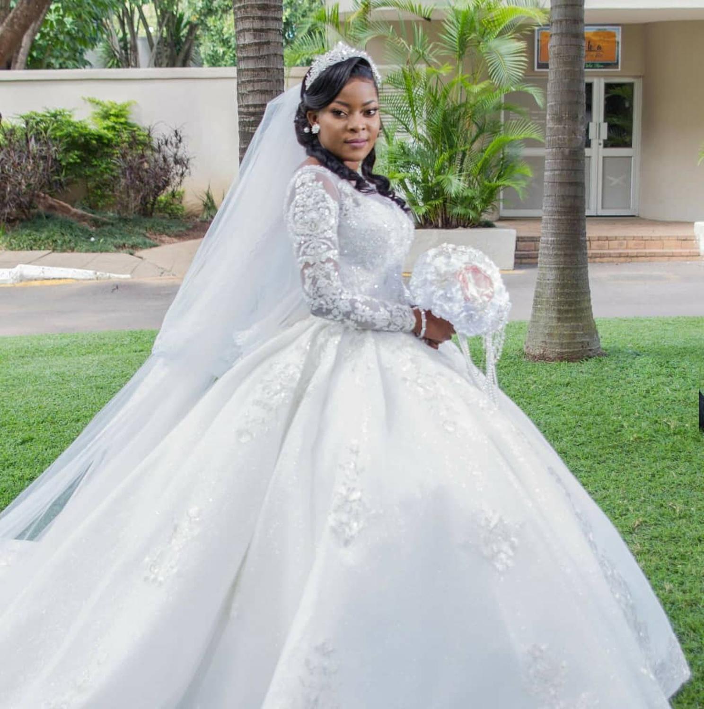 Newly Crystals African Mermaid Wedding Dresses 2020 Plus Size Black Girl Women Off Shoulder Satin Wedding Gowns Leather Bag,Steven Khalil Mermaid Wedding Dress