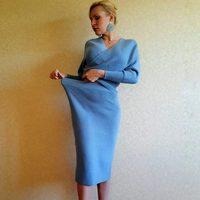 Тёплый трикотажный костюм из юбки и кофты