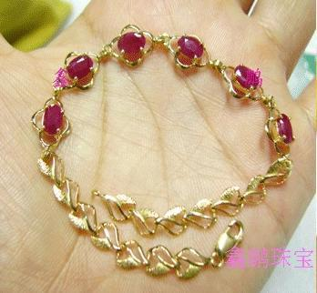 A stone of love Classic 18 k gold 4 * 6 natural ruby bracelet quality goods