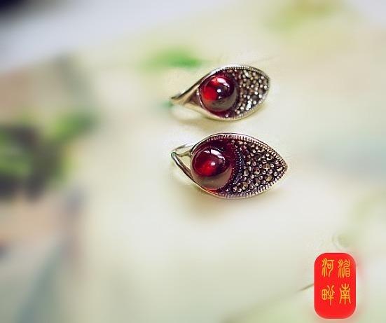 Thailand S925 pure silver jewelry production manual eardrop Thai restoring ancient ways garnet female model