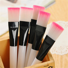 1pc Professional Mask brush Soft Nylon Makeup Brushes White Plastic Handle Cosmetic Make up Tools(China)