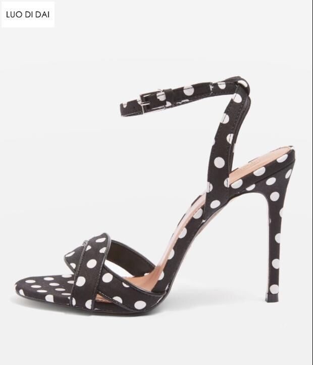4f2799068ce42 Mariage Chaussures Spartiates De Soirée 2019 Ouverts Hauts Sexy Polka Talons  Dot D été Sandales Piste Noir Femmes pxwAwTf
