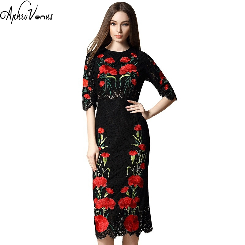 2017 New Fashion Women Dress Elegant Carnations Embridered Lace Red Floral O-neck Boutique Dress Maxi Dresses Runway Designer