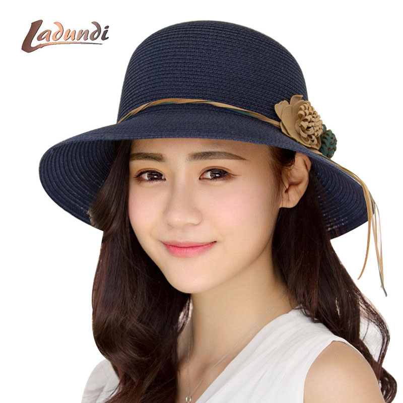 2019 New Female Summer Beach Hat Sun Hats Travel Cap Ladies Wild Big Hat Flower Lace Sunscreen Elegant