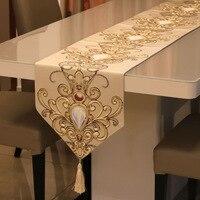유럽 스타일 클래식 테이블 러너 럭셔리 릴리프 러너 Tafelloper 홈 인테리어 테이블 러너 테이블 보
