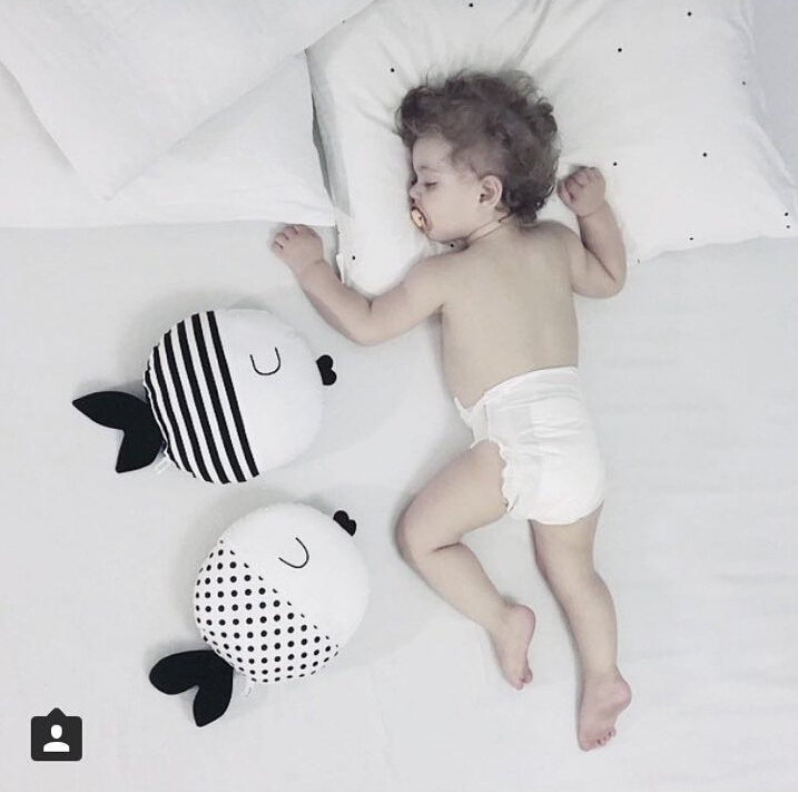 Kids Pillow Baby Bed Cushion Kids bassinet Pillow enfant Room Decoration Fish Pillow Newborn Pose Photography Props travesseiro
