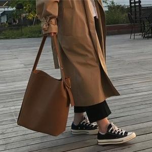 Image 3 - Moda all partita borsa secchiello semplice stile di cuoio dellunità di elaborazione di un sacchetto di spalla delle donne della borsa femminile casuale nero/marrone xuew98