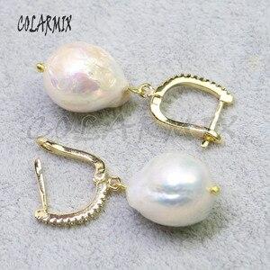 Image 2 - 5 pares grandes pendientes de perlas naturales gancho retro joyería piedra pendientes mujeres regalo para su venta al por mayor joyería 8006