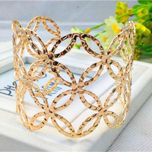 Retro-Style Gold Silver Colour Hollow Woman Bracelet Adjustable Bracelets Coins Embossed Female Jewelry Bracelet Bangles