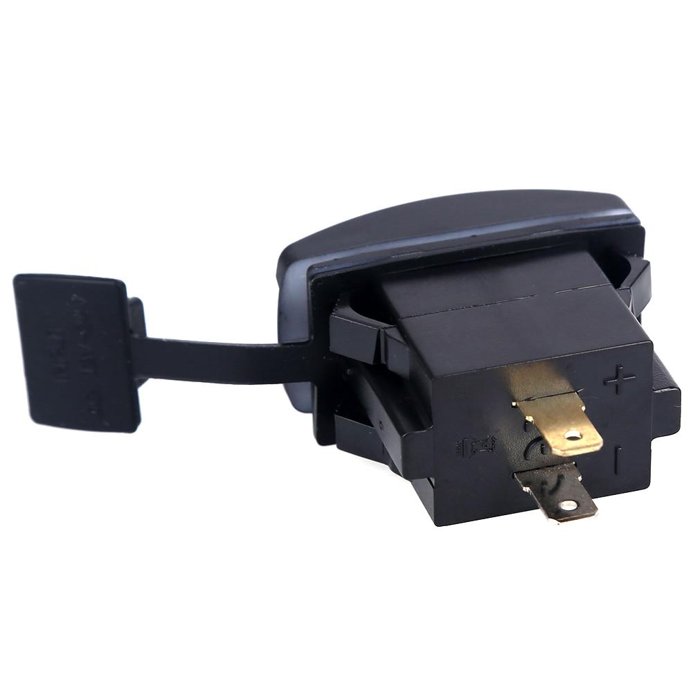 Kahe USB auguga laadija