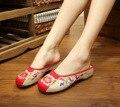Nova Verão 2016 Mulheres Bordar Chinelos Sapatos Bordados Estilo Chinês Pano Sapatos Sandálias Sapatos Mulher Flores de Linho Ocasional