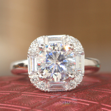 Queen Brilliance PURE CLEAR 1.5 Ct Lab Grown Moissanite Diamond Wedding Ring With Moissanite Accents Solid 14K 585 White Gold