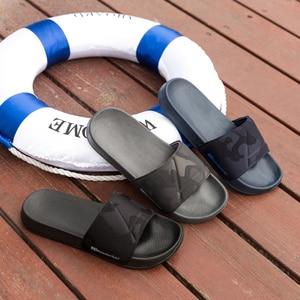 Image 5 - 브랜드 품질 슬리퍼 남자 욕실 신발 플랫 플립 퍼 빛 야외 비치 샌들 신발 큰 크기 50 어두운 위장 표면