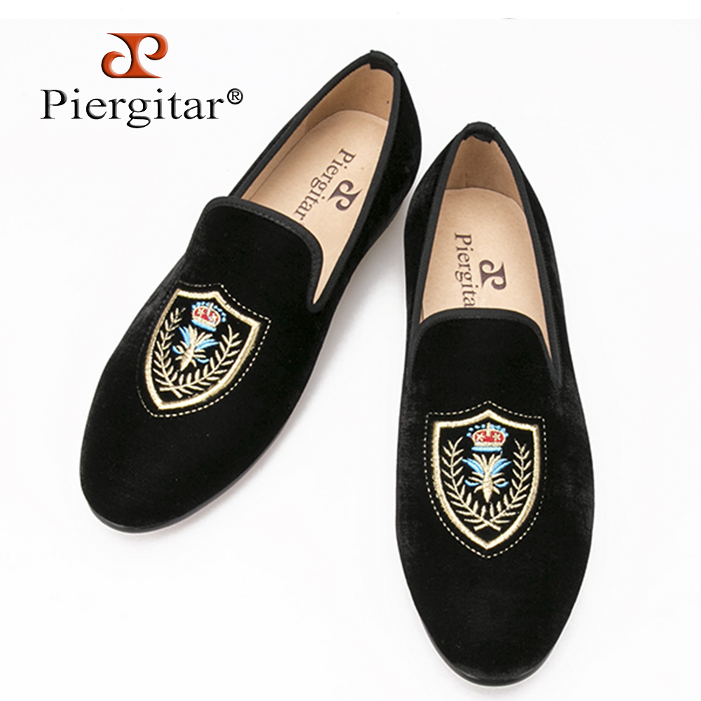 Fashionable Shield embroidered Men Velvet loafer Men wedding and party shoes Men's Flat Size US 4-14 Free shipping luxurious handmade embroidered motif paisley men velvet loafer slippers men wedding and party shoe size 4 14 free shipping