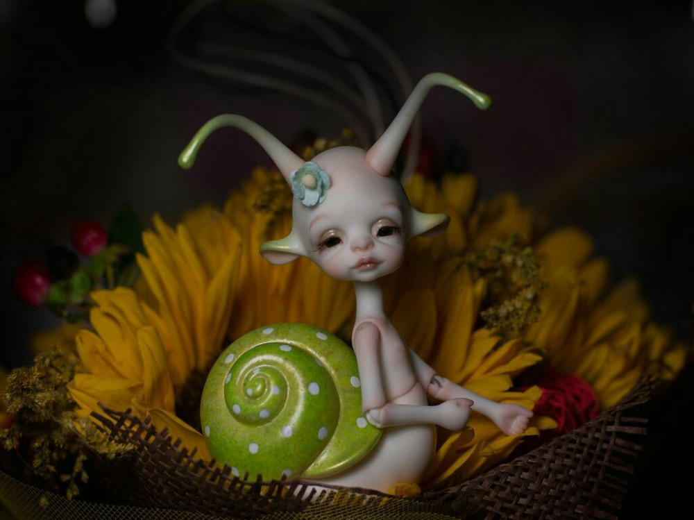 Bjd 1 8 doll Larry small snail free eyes