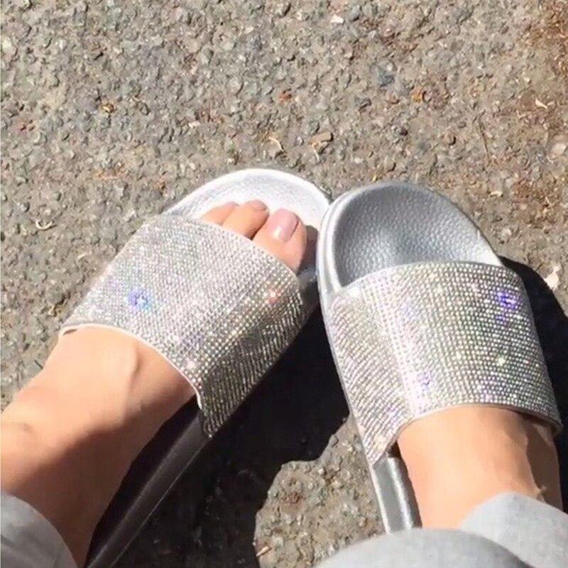 Strass Frauen Hausschuhe Flip-Flops Sommer Frauen Kristall Diamant Bling Strand Dias Sandalen Freizeitschuhe Slip Auf Pantoffel