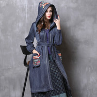 2018 Fall Women New Hooded Denim Trench Coat Vintage Embroidered Casual Fashion Long Coat Women Windbreaker Plus Size Clothes