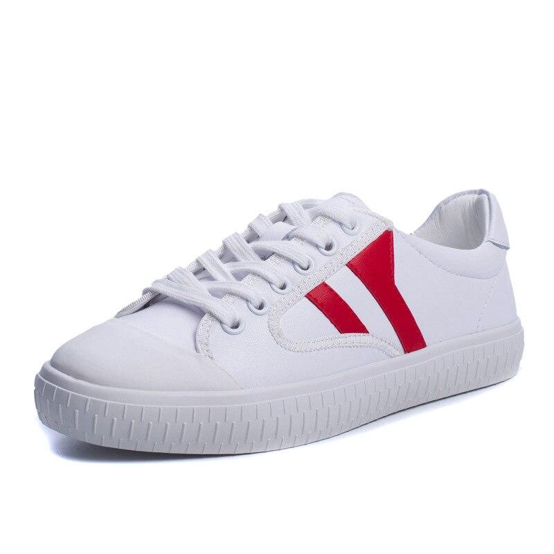 64264184a6f7 Nouveau Printemps Été Chaussures De Sport Plat de Base En Cuir Femmes  Chaussures Baskets Dentelle Blanc