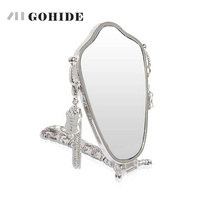DUH Makeup Fashion Quality Metal Mirror Lock Folding Handle Mirror Portable Small Decorative Oval Mirrors Use Dressing Room