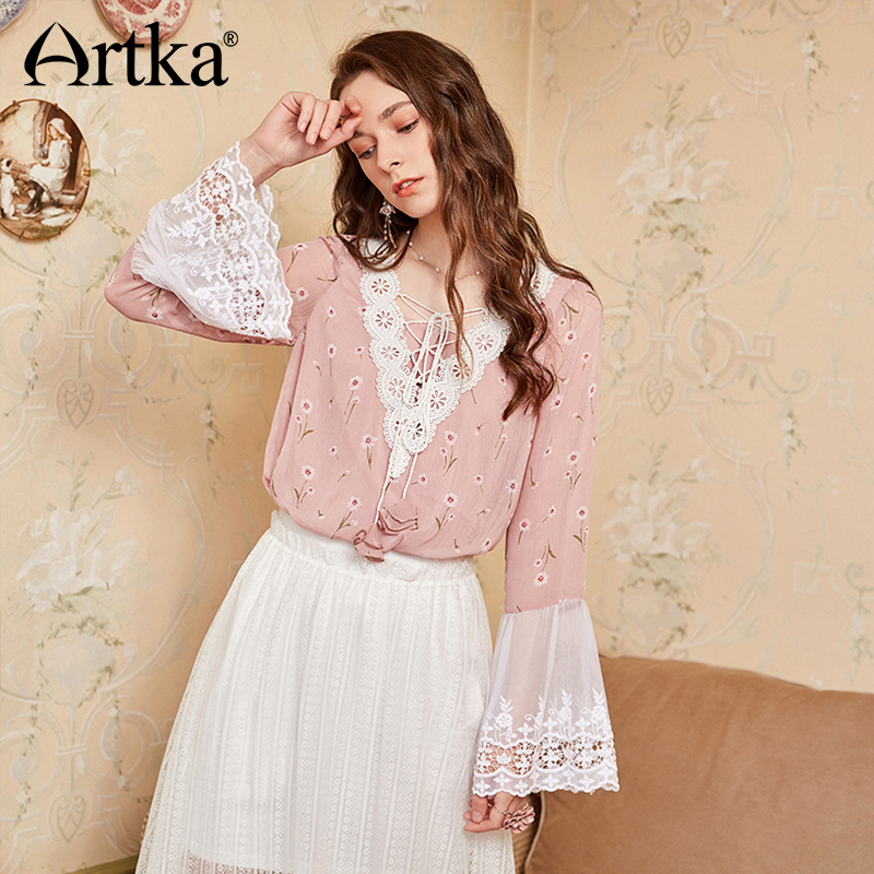 ARTKA 2018 Autumn New Women Exquisite Lace Embroidery Full Flare Sleeve Badange V-neck Floral Print Loose   Blouse     Shirt   SA10180Q