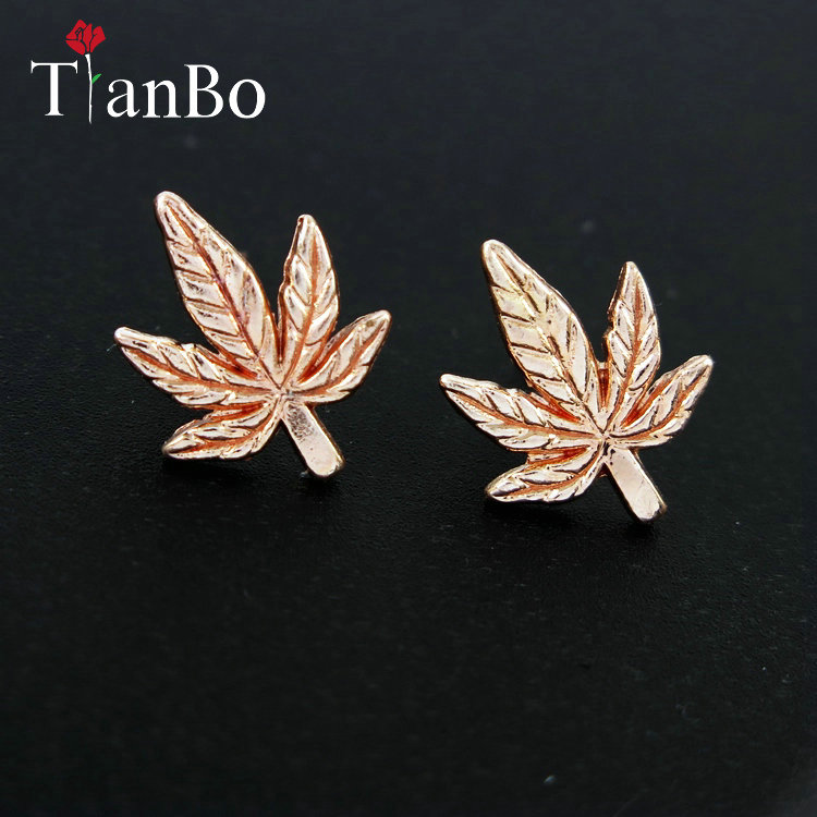 1 Pair Antique Silver/Gold Color Tone Maple Leaf/Pot Weed Leaf Charms Pendants Stud Earring Jewellery For Women