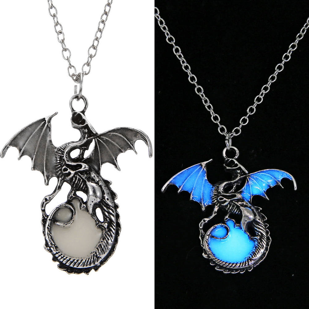Game of Throne Jewelry Glow In The Dark Necklace Punk Dragon Necklaces For Woman Man Pendants Fluorescence Accessories Vintage 3