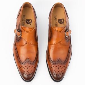 Image 2 - Zapatos de vestir con punta para hombre, calzado masculino de cuero genuino, Brogue, Color amarillo, correa de hebilla, moda de lujo, zapatos formales de boda