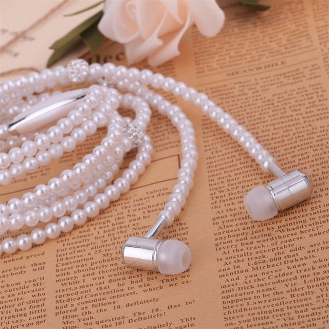 Stylish Pearl Necklace Themed Stereo Earphones