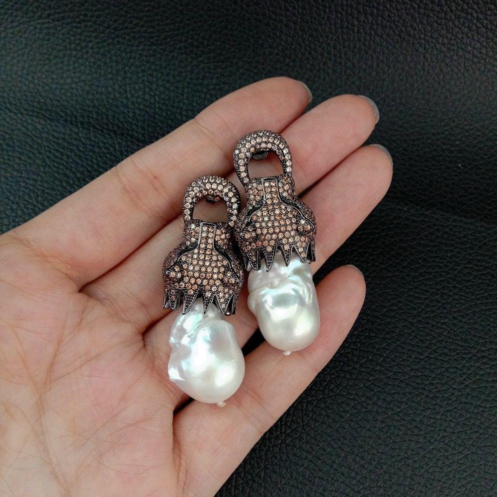 Boucles d'oreilles en forme de perle blanche keshi