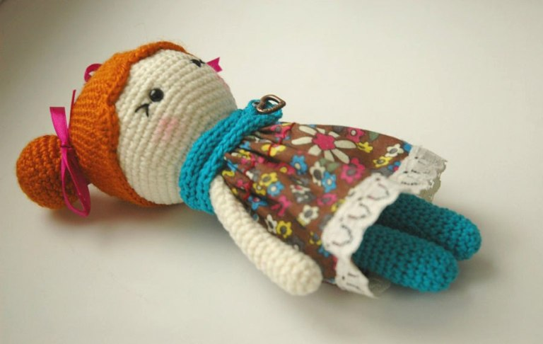 little-lady-doll-crochet-amigurumi-pattern