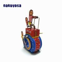 Childhood Memory Retro Nostalgic Style Classic Tin Toys Red Monkey Clockwork Toy Metal Animal Miniatures Gifts