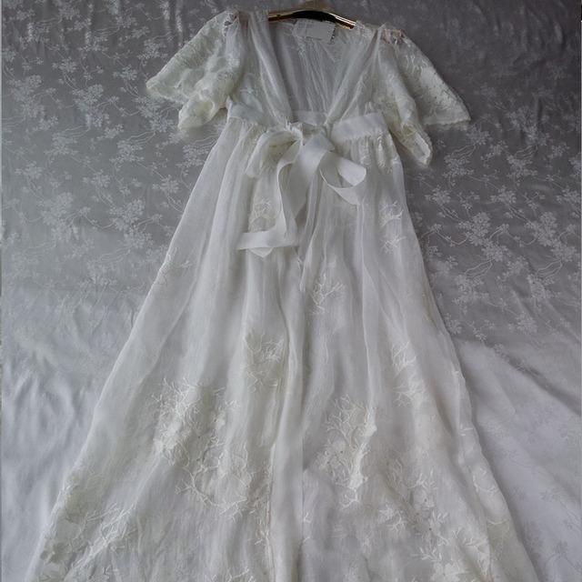O Envio gratuito de 2017 Nova Verão das Mulheres Robe Princesa Camisola Branca Longa Camisola Sleepwear Bordado Real