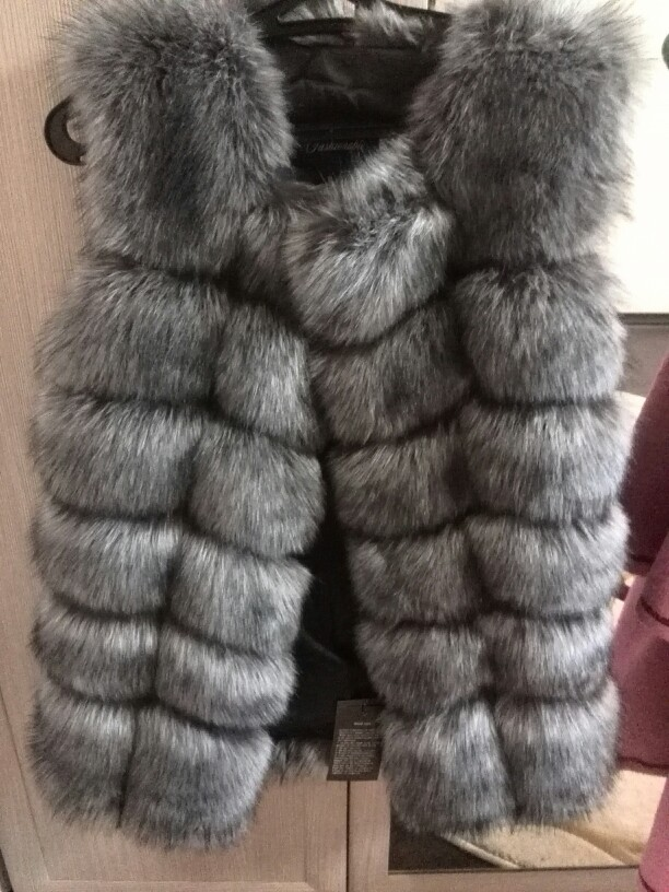 S-4XL Female Fur Waistcoat 2018 New Winter Warm Faux Fox Fur Vest Women High-Grade Cappa Fashion O-Neck Long Fur Coat Cardigan