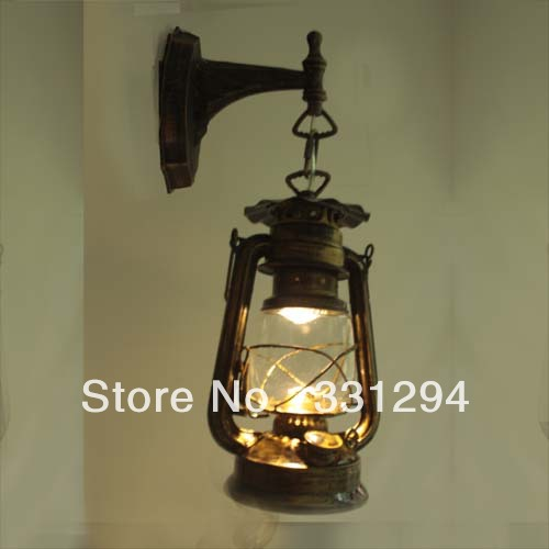 Vintage led wall lamp old fashioned kerosene lamp lantern for Old fashioned lighting fixtures