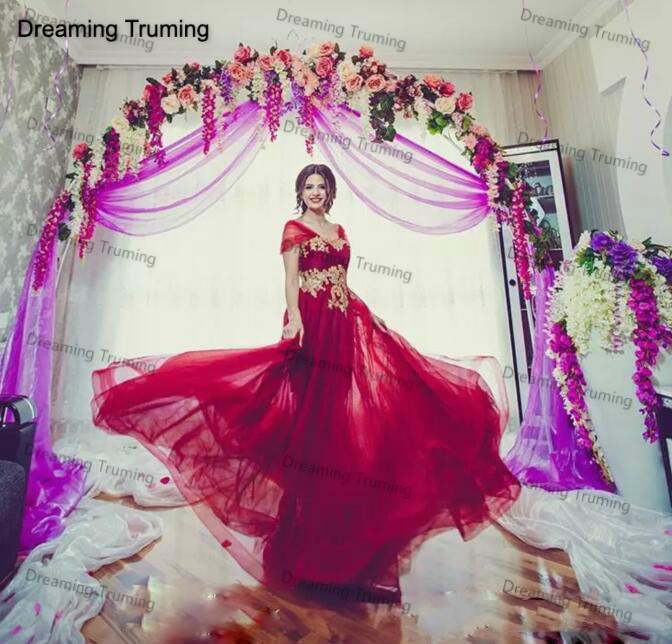 Middle East Red   Prom     Dresses   Cap Sleeves With Gold Lace Appliques A Line Saudi Arabia Tulle Formal Party   Dress   Evening Gowns
