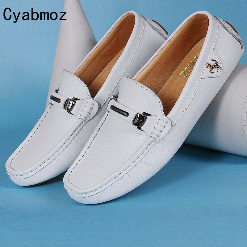 New Leather men flat shoes Soft Moccasins men loafers Flats driving Peas Shoes Fashion Buckle Casual shoes Hot Sale Leisure Shoe split leather dot men casual shoes moccasins soft bottom brand designer footwear flats loafers comfortable driving shoes rmc 395